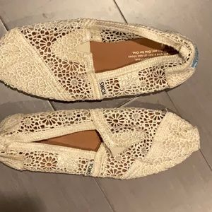 Toms Alpargata Lace Women's slip on shoe